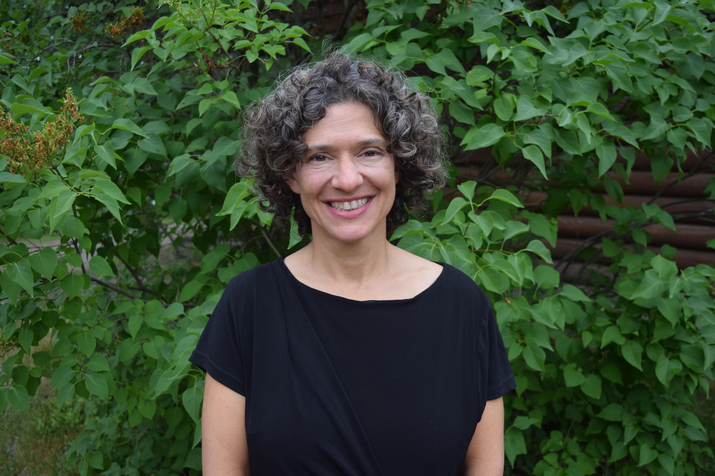 Dafna Zur